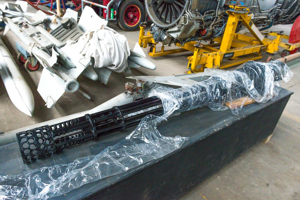 Vulcan 6-barrel Gatling cannon